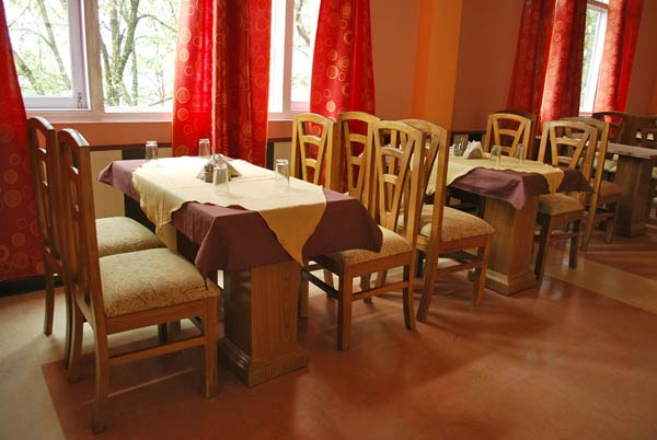 Dining area binsar eco resort photos uttarakhand pictures for Dining area pictures