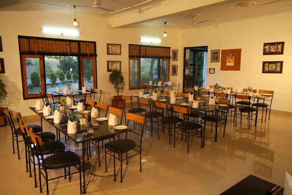 Dining area sattal country inn resort photos uttarakhand for Dining area pictures