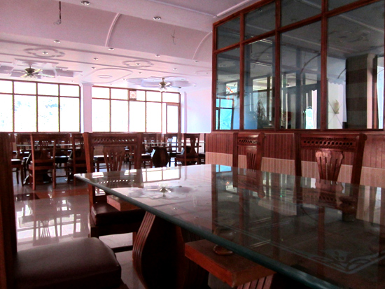 Restaurant dining area jwalpa palace photos uttarakhand for Dining area pictures
