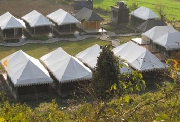 Derra Camp & Resort Photos