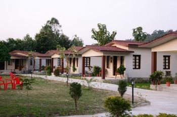 Pagoda Manu Maharani Resort Photos