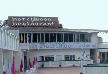 Moon Hotel Photos