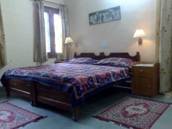 Samar Niwas Guest House Photos