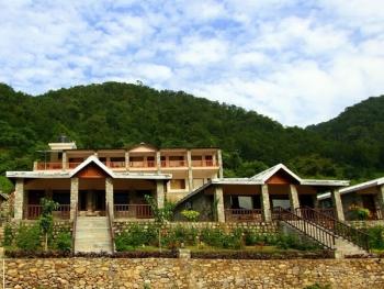 Tree Tops Riverview Resort Photos