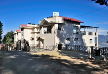 Woodsvilla Residency Photos