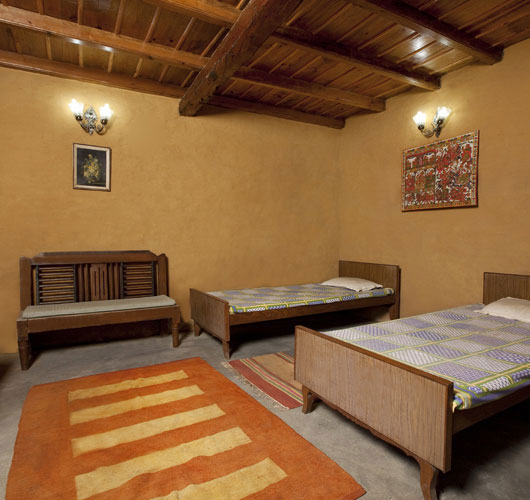 Room picture woods resort photos uttarakhand pictures for Picture room