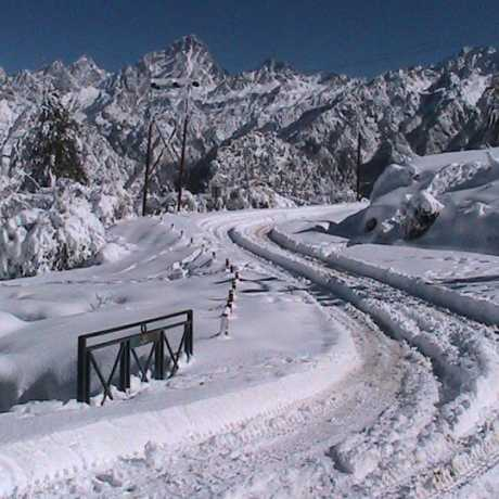 Snow covered roads in Auli during winters.