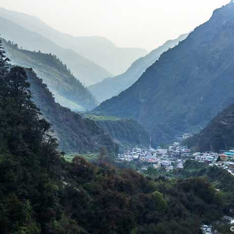 A picturesque view of Janki Chatti valley.