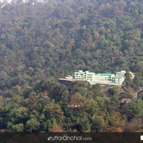 Jeolikot in Nainital is one of the best offbeat destination of Uttarakhand.