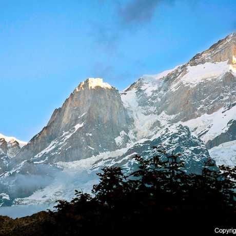 Snow capped peaks in Kedarnath.