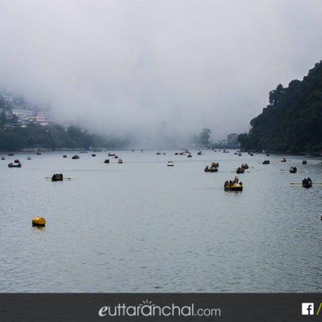 Tourist enjoying boating at Naini lake in Nainital