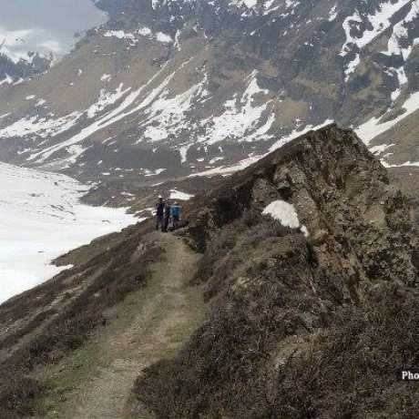 Trek route to Pindari glacier