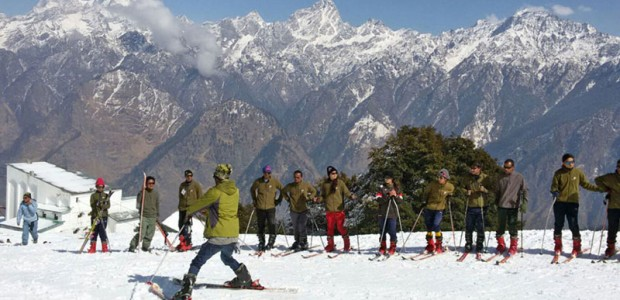 Basic Skiing Course in Auli