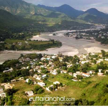 Scenic view of Sringar and Kirtinagar town. (Garhwal Himalayas).