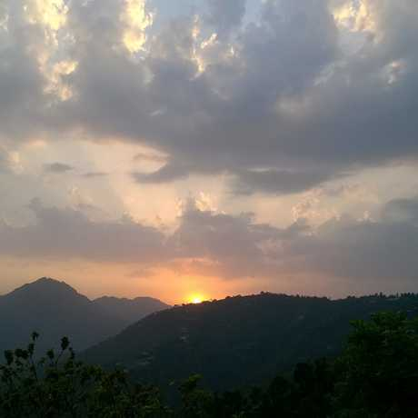 Sun set view view as seen from Jadipani, Tehri