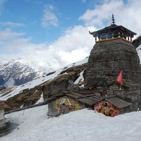 Tungnath Temple (Tritiya Kedar), view after heavy snowfall (April Month)