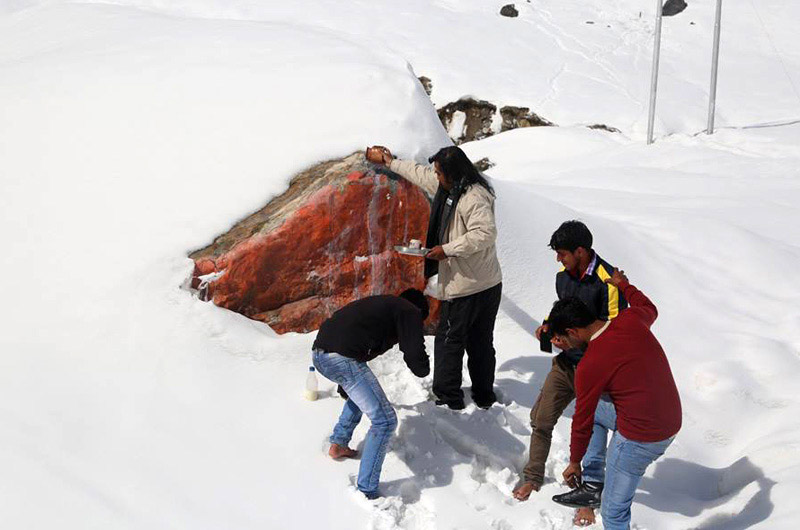 Rock which saved Kedarnath Temple is being worshipped