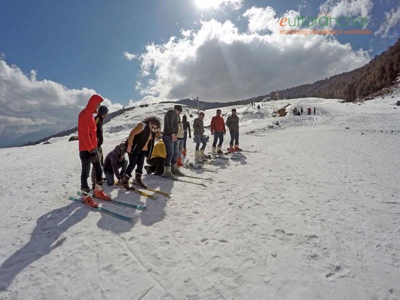 GMVN Snow Skiing Courses in Auli 2020
