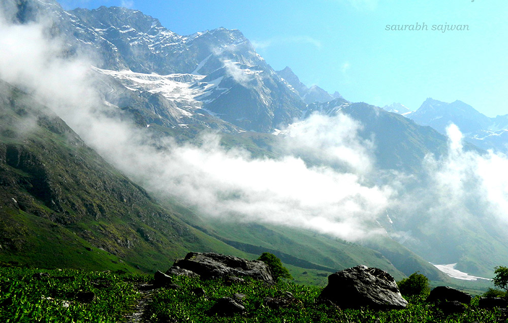 Valley Of Flowers Trek Valley Of Flowers Trekking Guide Travel Tips