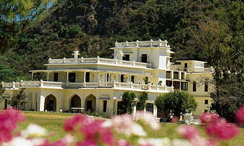 Top 10 Hotels and Resorts in Rishikesh