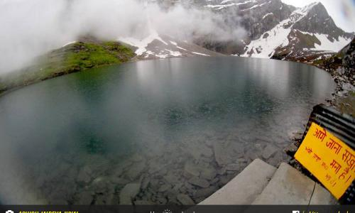 Hemkund Lake