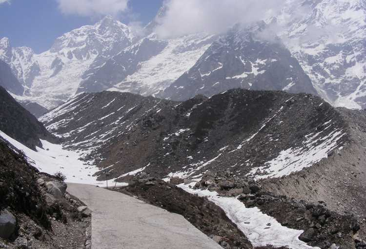 Gandhi Sarovar Travel Guide Kedarnath - How to Reach Chorabari Tal ...