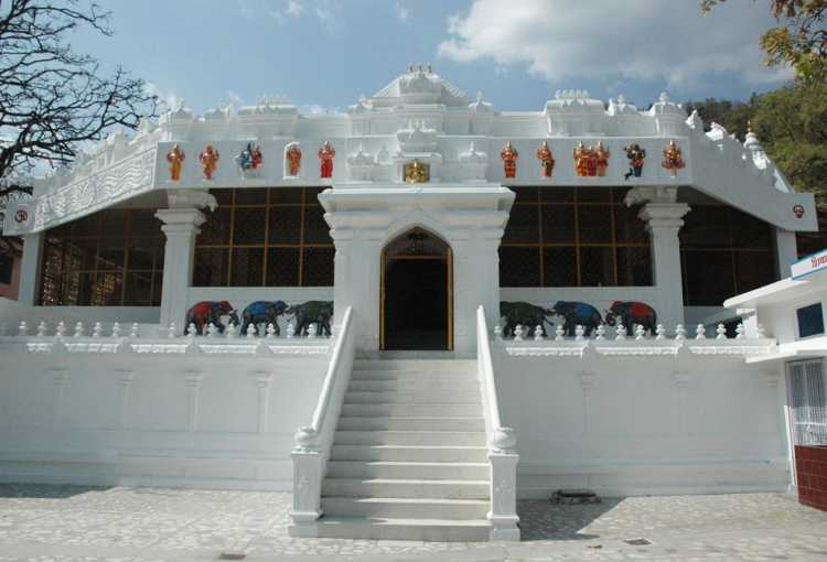 Sivananda Ashram Rishikesh - Visit Ashram for Yoga and Meditation